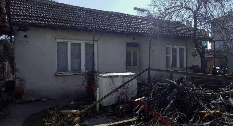Собственик продава къща